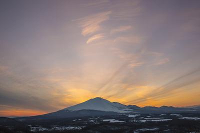 D182-0010 二度上峠から浅間山夕景・群馬県長野原町 2月.jpg